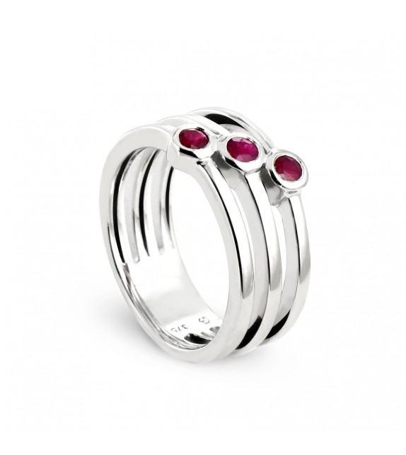 Bague 3 anneaux en Or blanc 375/00 avec rubis