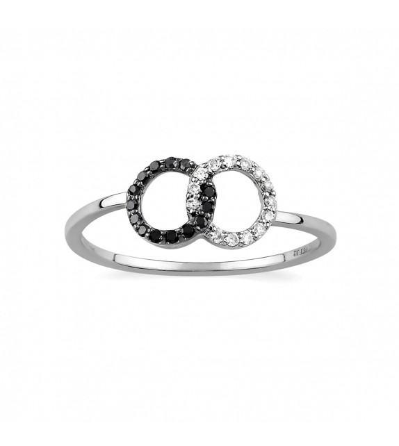 Bague anneaux entrelacés en or blanc 375/00 et sertis de diamants noirs et blancs